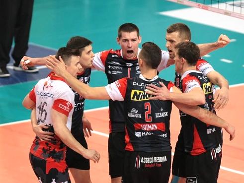 Ники Пенчев и Ресовия загубиха и финал №2 от СКРА Белхатов с 0:3 в Полша