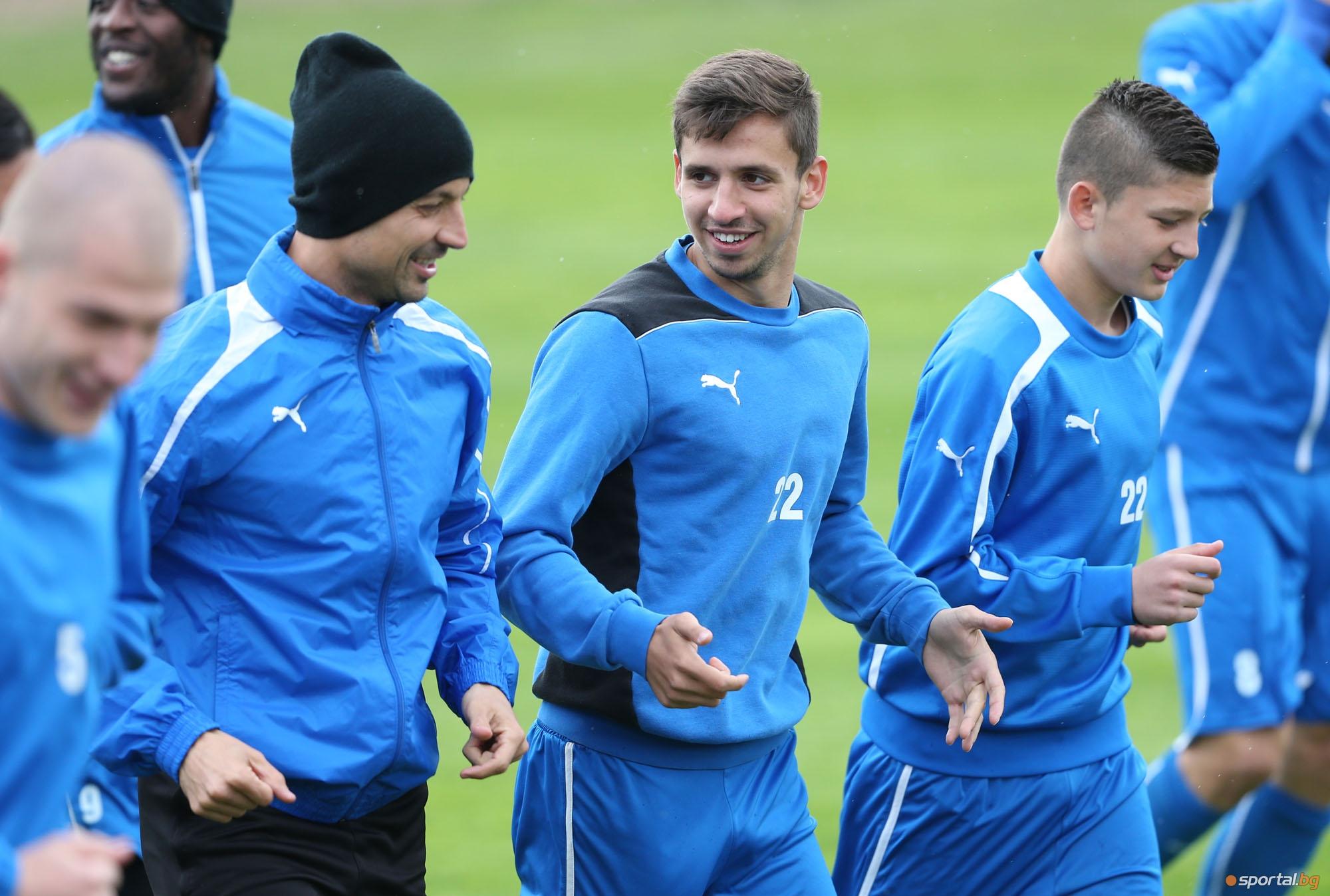 Отново много юноши на тренировка на Левски