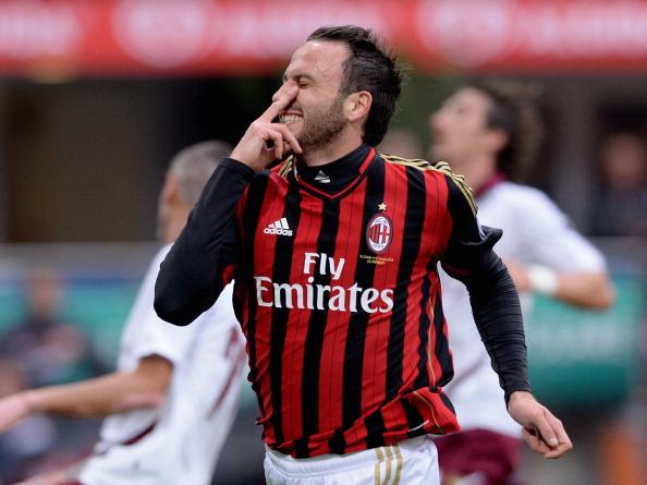 Милан разби с 3:0 Ливорно, Балотели с рекорд