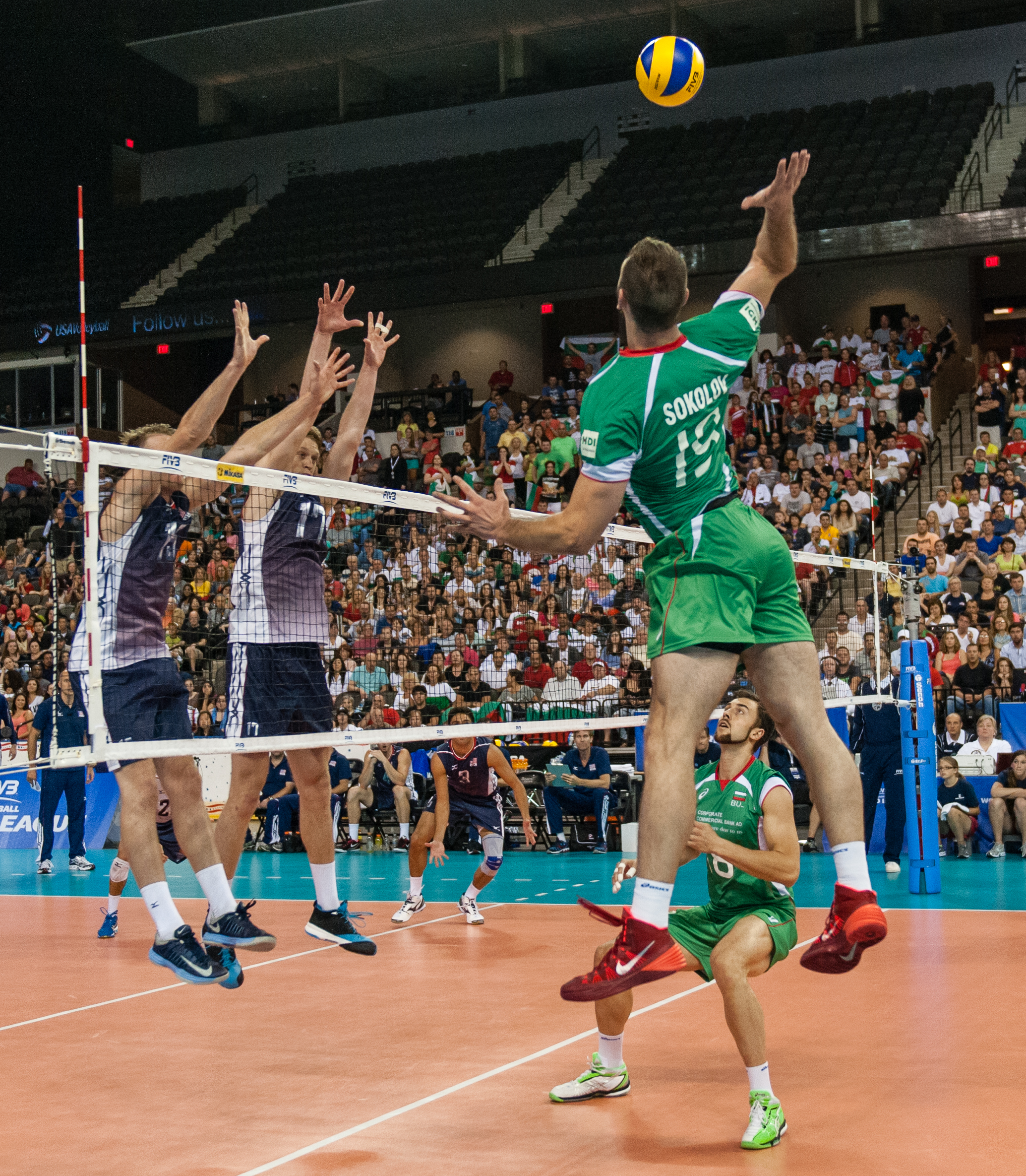 България с първа победа в Световната лига