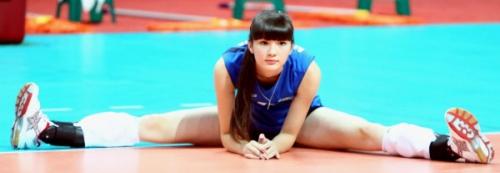 """Фенове се """"побъркаха"""" по казахска волейболистка"""