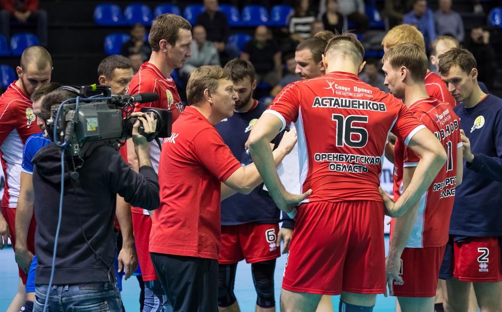 Тодоров, Алексиев и Газпром с първа победа за сезона след 3:0 над Нефтяник на Братоев