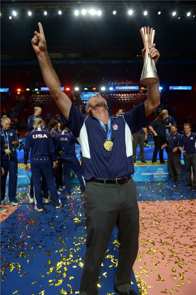 Карч Кирали изведе САЩ до историческа първа световна титла