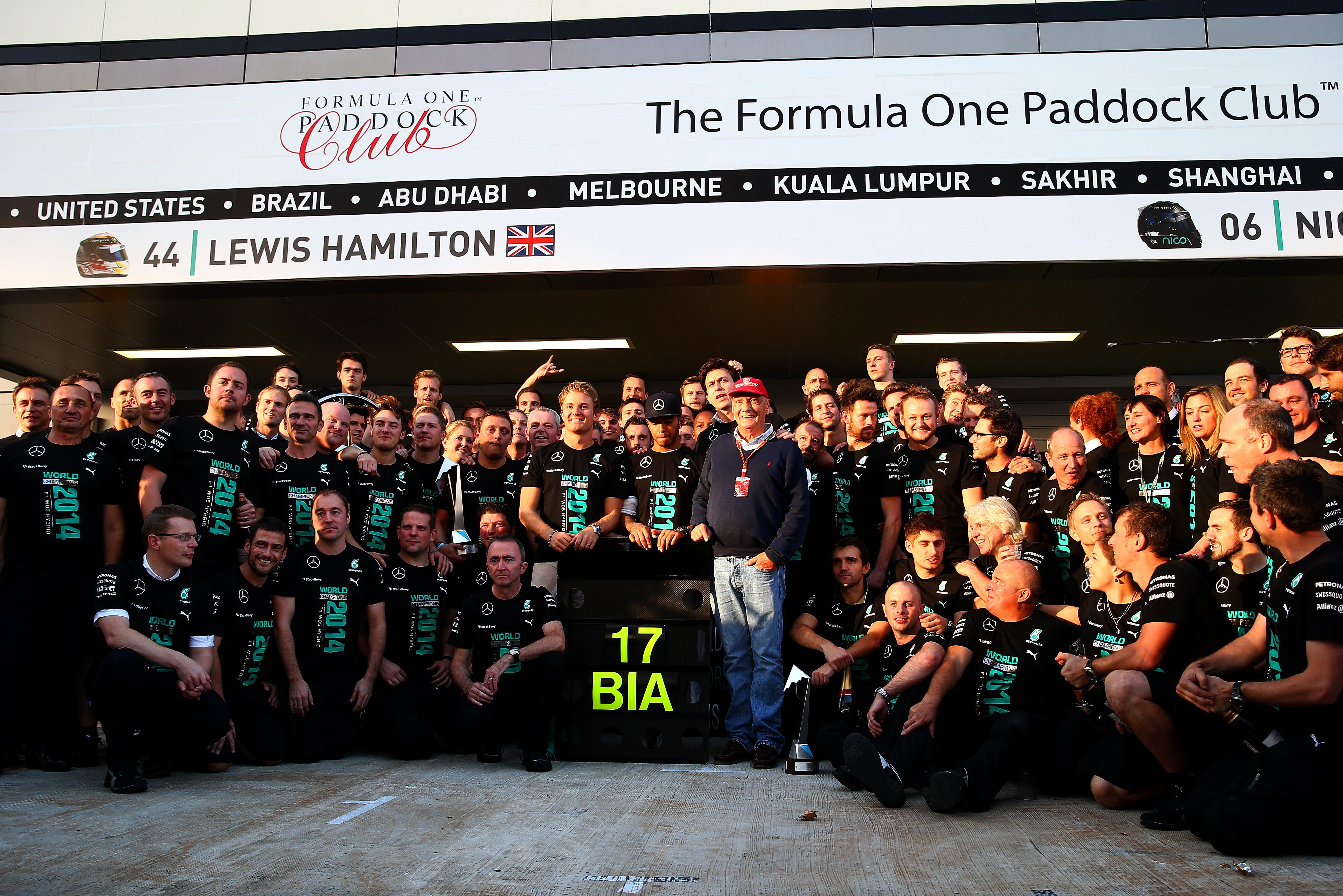 Мерцедес са новите световни шампиони при конструкторите във Ф1