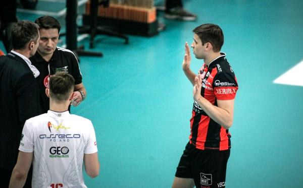 Ники Пенчев на крачка от финал в Полша след ново 3:1 над Ястрежебски Венгел в полуфинал №2