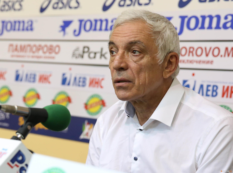 Пресклуб България награди легендарният треньор на БК Левски Станислав Бояджиев