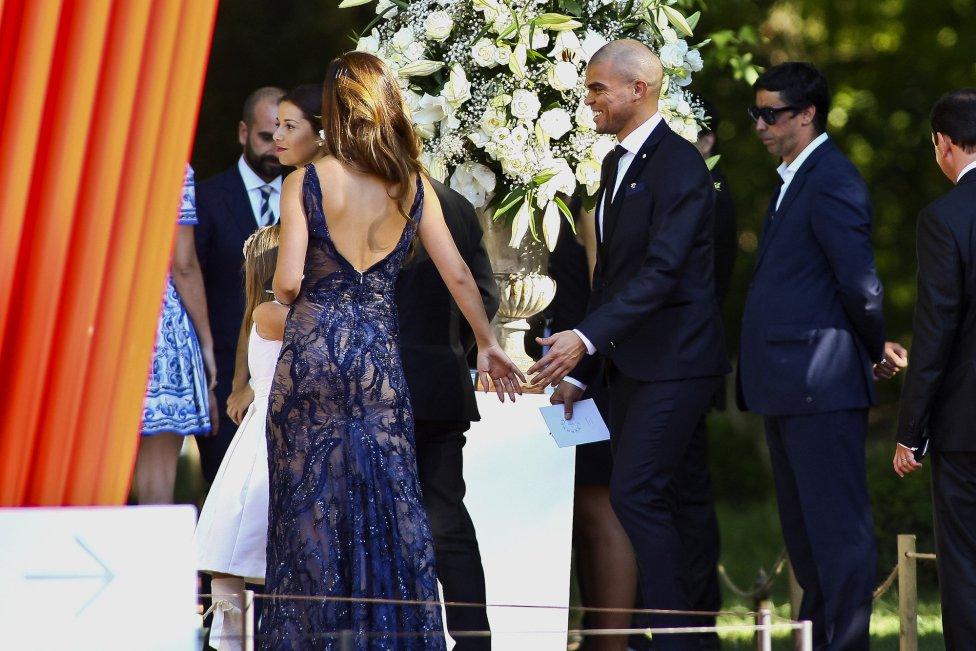 Звездната сватба на Мендеш - Кристиано му подари гръцки остров