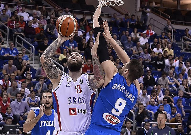 Виртуозна Сърбия с рецитал срещу Италия