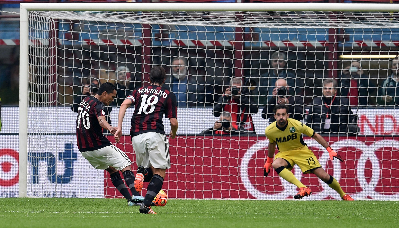 16-годишен вратар дебютира за Милан при победата с 2:1 над Сасуоло
