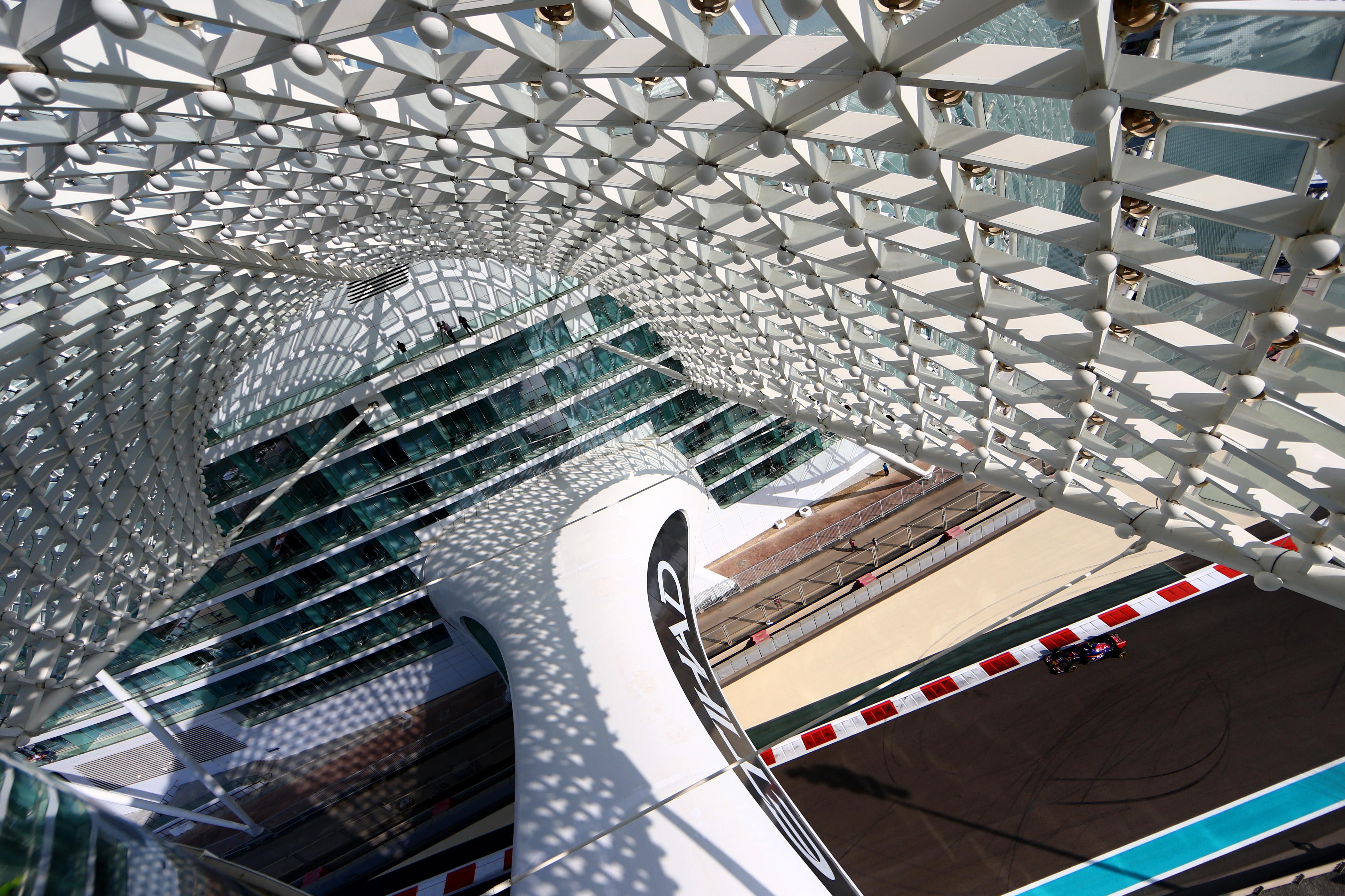 Тренировки за Гран при на Абу Даби
