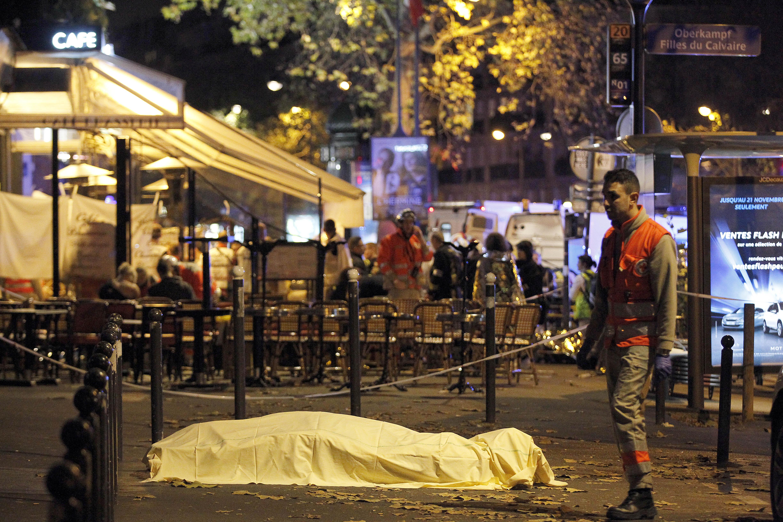 Кървав петък 13-и в Париж - терористи избиха над 140 души