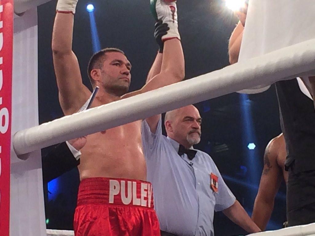 Светкавична победа на Пулев срещу Харис