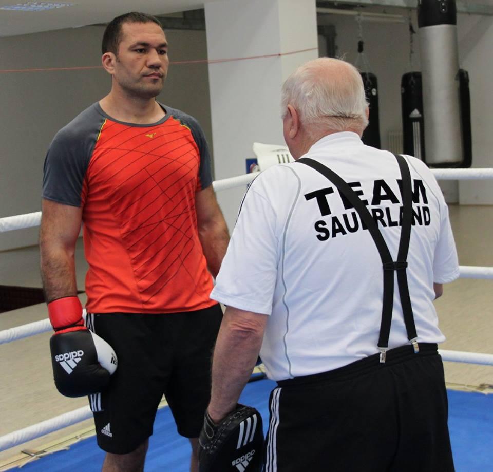 Кубрат Пулев тренира здраво за мача с Дерек Чисора