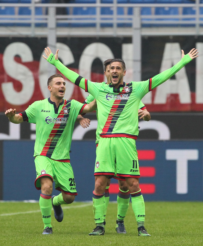 Лападула отново герой за Милан