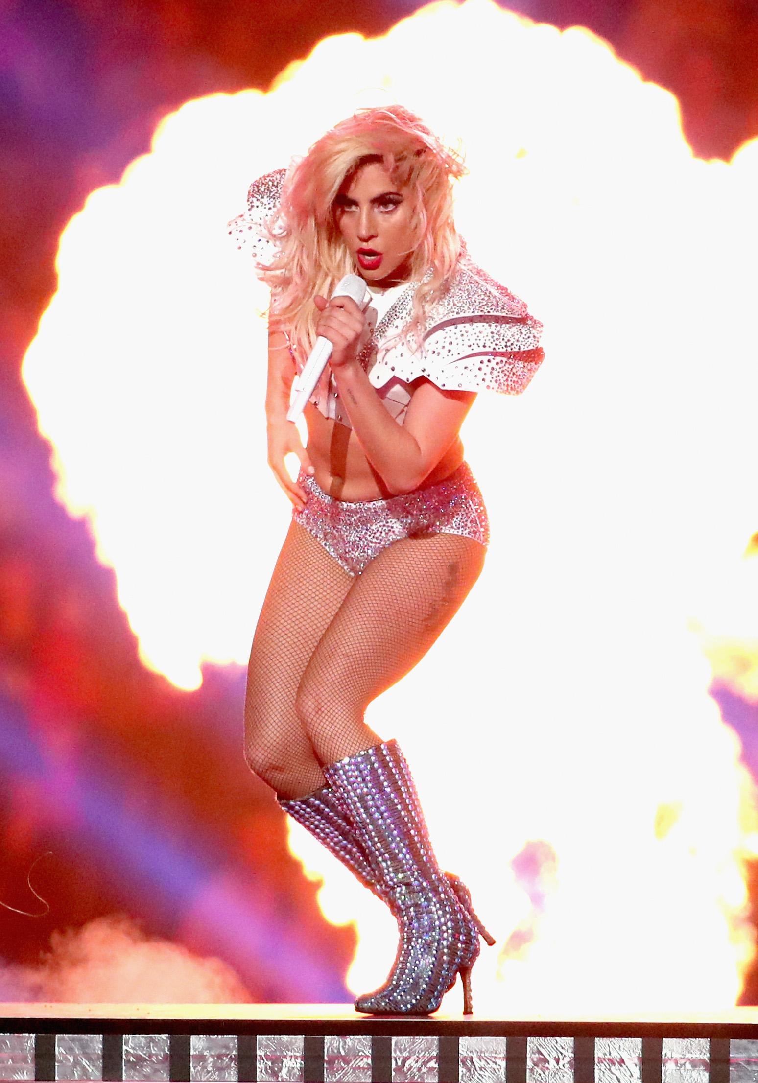 Шоуто на Лейди Гага на полувремето на Супербоул LI