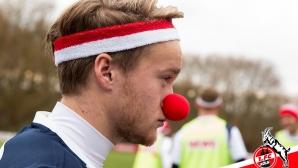 Футболистите на Кьолн тренират в карнавално настроение