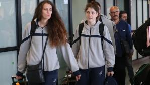 Националките по волейбол се прибраха в България