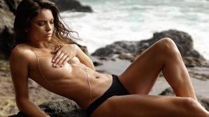 Кира Санторо е новобранка в Sports Illustrated