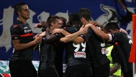 """Левски превзе Ловеч и върха в """"А"""" група пред рекорден брой гостуващи фенове"""