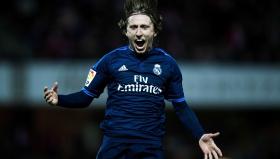 Лука Модрич се радва, след като донесе измъчената победа на Реал Мадрид като гост на Гранада