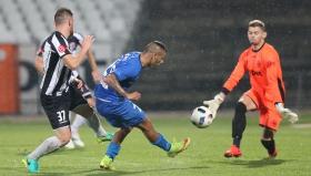 Левски продължава с изстраданите победи