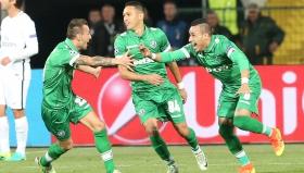 Защитникът на Лудогорец Натанаел се радва след гола си във вратата на ПСЖ
