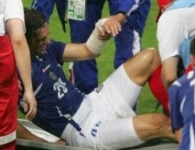 Младен Кръстаич със счупена лява ръка
