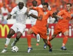 Ван Бастен може да разчита на Хейтинга за мача с Португалия