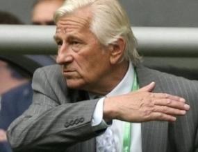 Брюкнер остава начело на Чехия въпреки краха
