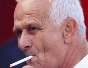 Люпко Петрович гледа Копер – Публикум на видеокасета