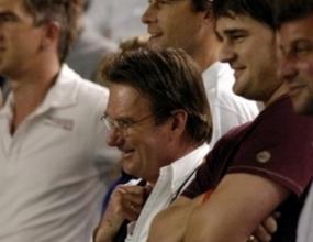 Джими Конърс подкрепи Родик срещу Сафин