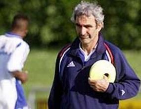 Доменек вика трима дебютанти за контролата с Аржентина