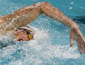 Ален Бернар счупи рекорда на 100 метра свободен стил