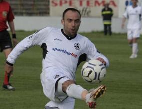 Стевица изригна: Симонович се криеше в някои мачове, днес избяга и си отива
