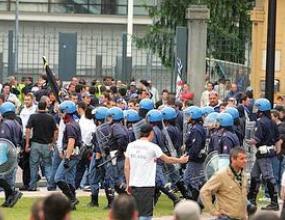 Тифози на Парма и Интер се бият преди мача