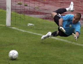 Ники Михайлов ще играе в Шампионската лига