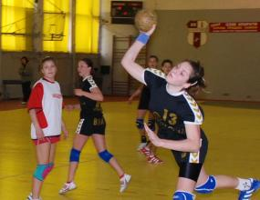 Бъки с бронзовите медали в хандбала при жените