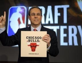 Чикаго Булс ще избира първи на драфта в НБА