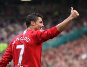 """Бекъм заръча на Роналдо да остане на """"Олд Трафорд"""""""