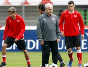 Състоянието на съпругата на треньора на Швейцария Коби Кун се подобрява