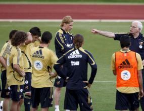 Арагонес и Рехагел са най-възрастните треньори на Евро 2008