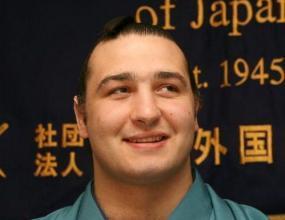 Котоошу с трета загуба в Нагоя, загуби шансове за титлата