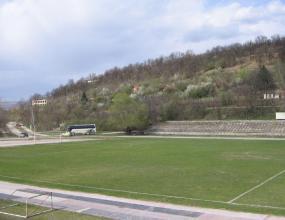 Руснаци превземат стадиона на Рилецо