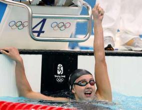 Ребека Сони спечели злато на 200 м бруст с нов световен рекорд
