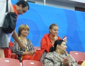 Весела Лечева и Стефка Костадинова посетиха българския блок в Пекин