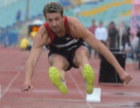 Квалификационна норма от 8.15 м за Николай Атанасов