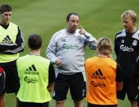 Бенитес опроверга слухове, че мисли за напускане на Ливърпул