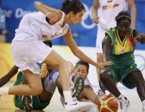 Испания не срещна трудности от Мали