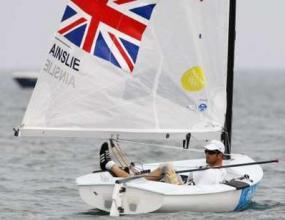 Бен Ейнсли защити олимпийската си титла във ветроходството