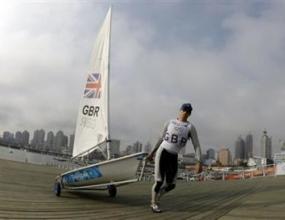 Пол Гудисън носи трето злато на Великобритания във ветроходната регата